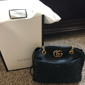 Gucci Marmont. Medium black bag.